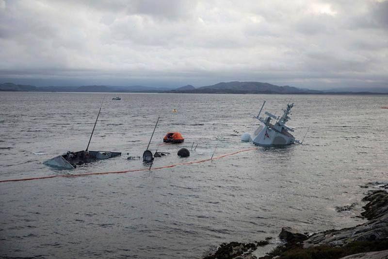 """Estado en el que se encuentra la fragata noruega """"Helge Ingstad"""""""