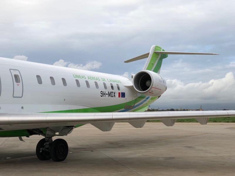 El avión Bombardier CRJ-1000 es una excelente opción