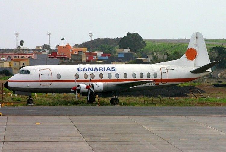 Vickers Viscount 803 de LAC, fuera de servicio, aparcado en el aeropuerto de Los Rodeos