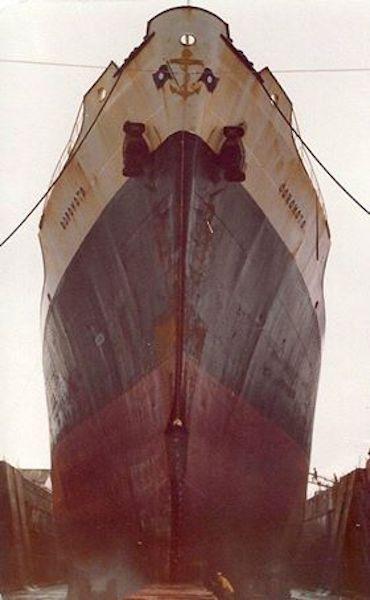 """Roda del buque """"Coromoto"""", en la que se aprecian los golpes sufridos"""