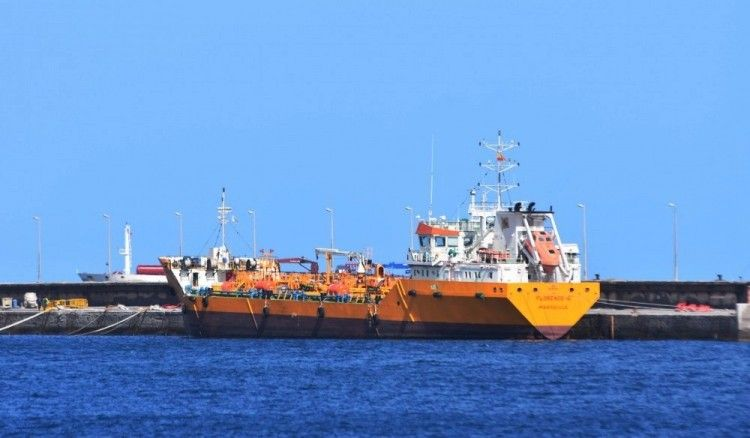 """El buque """"Florence B"""" está de nuevo en el puerto de Santa Cruz de Tenerife"""