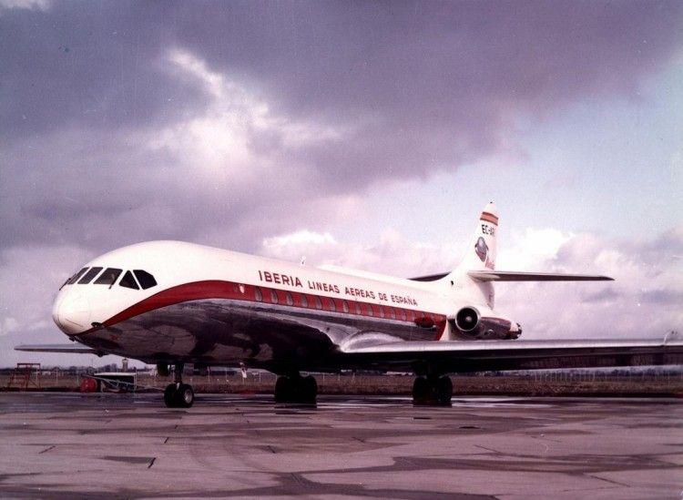 """El primer Caravelle de Iberia (EC-ARI, """"Albéniz""""), en el aeropuerto de Málaga"""