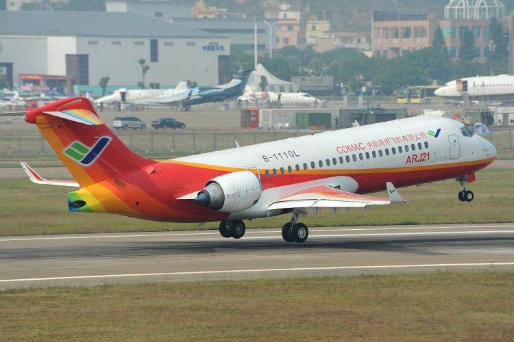 El avión enteramente chino contiene aporte de 19 fabricantes extranjeros