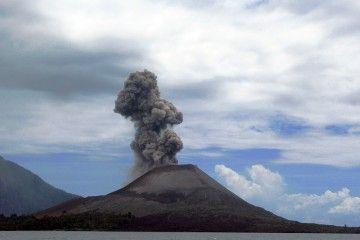 El volcán Anak Krakatau crece a un ritmo de cinco metros anuales