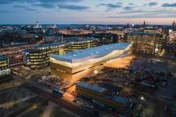 Panorámica del edificio donde se encuentra la biblioteca Oodi