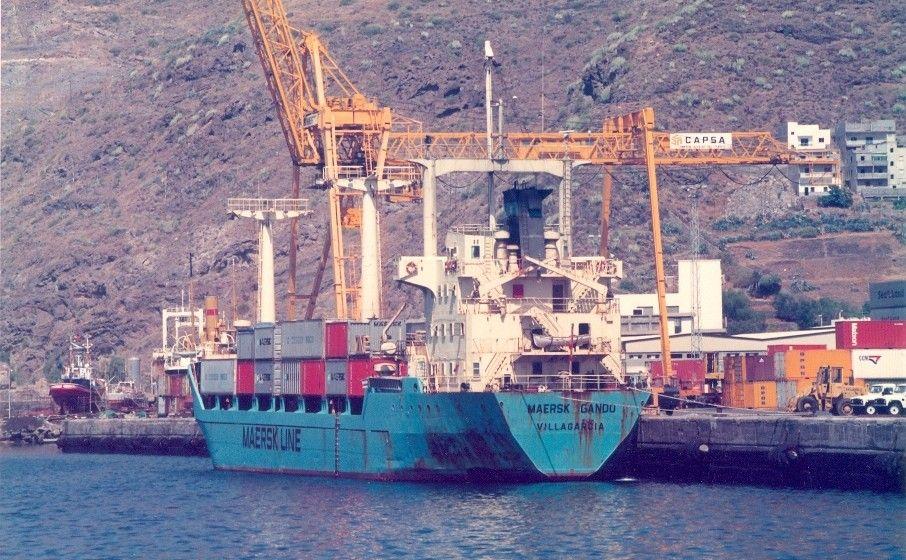 """El buque """"Maersk Gando"""", ex """"Xiabre"""", atracado en la terminal de contenedores del puerto de Santa Cruz de Tenerife"""