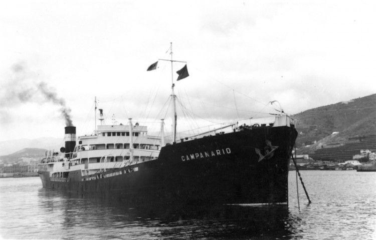 """El petrolero """"Campanario"""", en el puerto de Santa Cruz de Tenerife"""