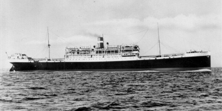 """Postal promocional del barco con el nombre de """"Marengo"""""""