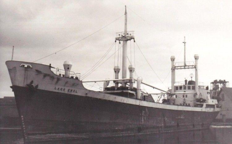 """Estampa marinera del buque """"Lago Enol"""", en sus primeros años de mar"""
