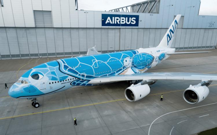 Esta es la llamativa librea del primero de los tres A380 de ANA