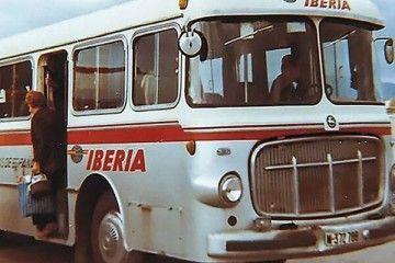 La matrícula del autobús de Iberia corresponde a 1964