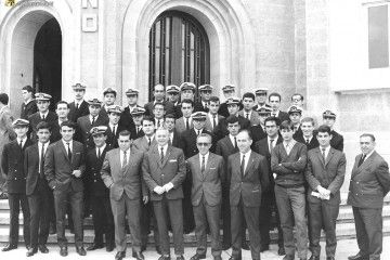 El grupo de alumnos del curso de maquinistas de segunda clase (1967) de la Escuela Oficial de Náutica de La Coruña