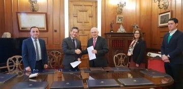 La firma del acuerdo se celebró en la sede del Gobierno de la ciudad autónoma de Melilla