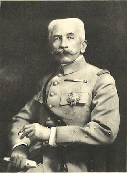 Louis Hubert Lyautey, en una foto de 1900