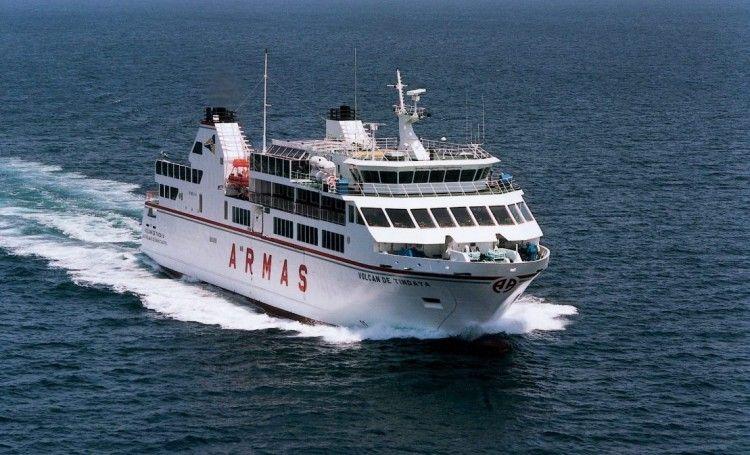 La línea Corralejo-Playa Blanca es la que más pasajeros mueve en la red canaria