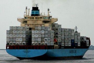 Los técnicos están evaluando los daños producidos en la sala de máquinas del buque
