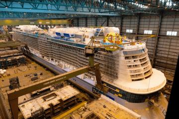 """El buque """"Spectum of the Seas"""" ha sido construido en dique seco cerrado"""