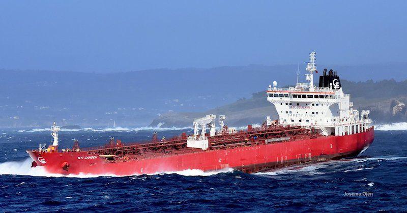 La mar de fondo provoca este tipo de movimientos en los buques