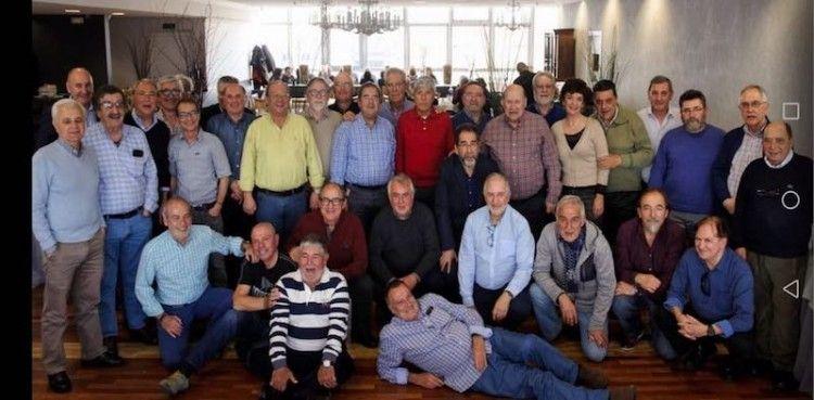 Foto de familia del encuentro de oficiales radioelectrónicos en A Coruña