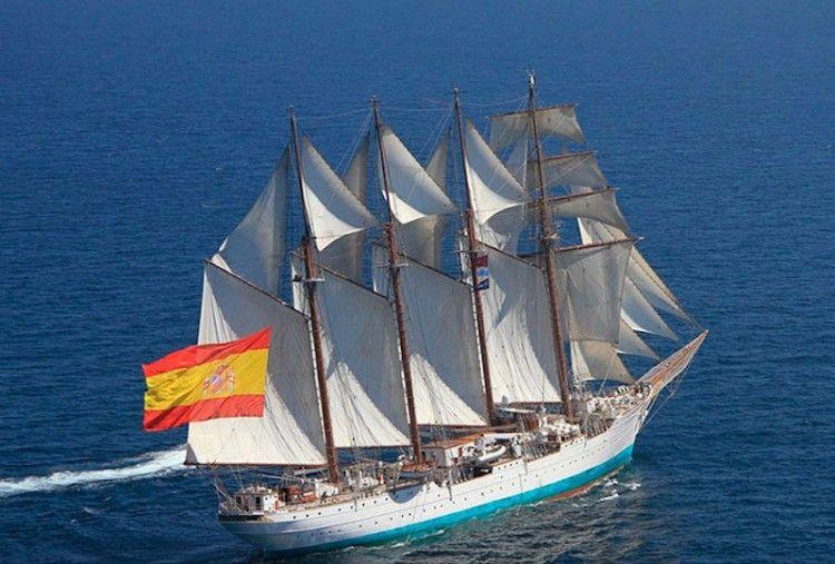 """El buque-escuela """"Juan Sebastián de Elcano"""" ha cruzado el Atlantico enteramente a vela"""