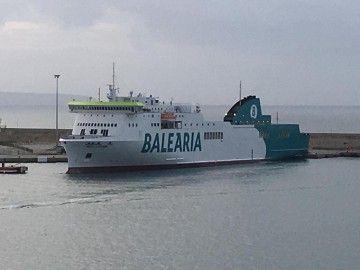 """El buque """"""""Hedy Lamarr"""" , atracado en el puerto de Palma"""