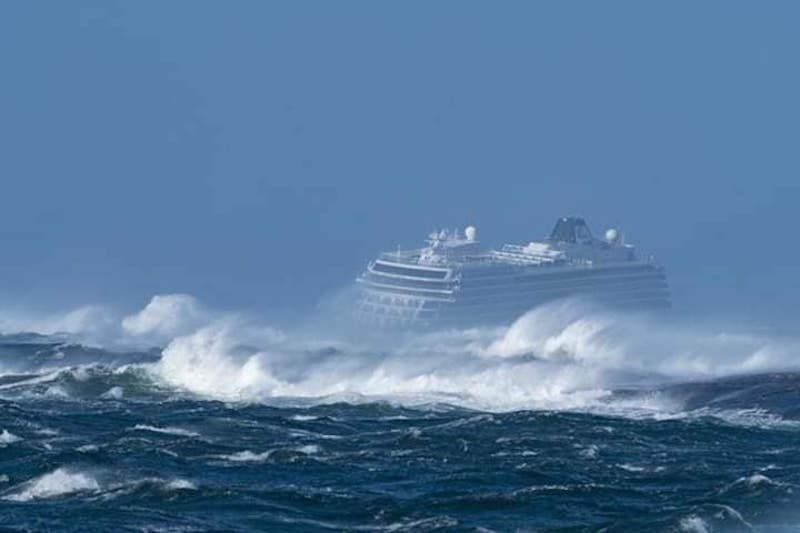"""El incidente del buque """"Viking Sky"""" se ha producido en condiciones meteorológicas adversas"""