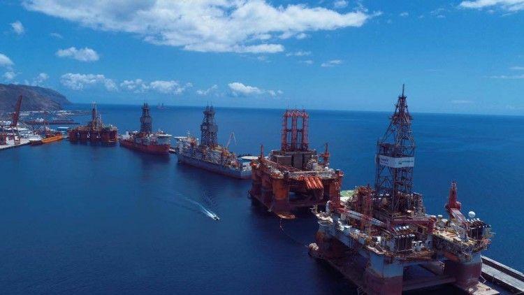 Esta imagen ya es historia, por ahora, en el puerto de Santa Cruz de Tenerife