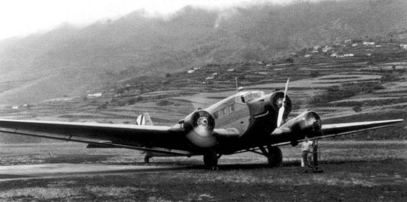 Avión trimotor Junkers Ju-52 (CASA 352) del Ejército del Aire