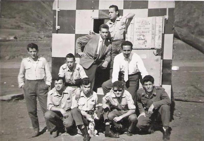 Grupo de trabajadores del aeropuerto (marzo de 1960)