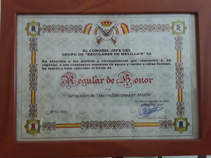 Diploma de Regular de Honor a la delegación de Trasmediterránea en Melilla