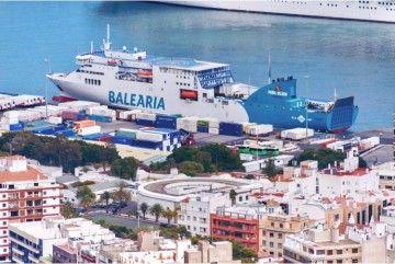 El cambio de barco en la línea Huelva-Canarias no ha sido bien recibido