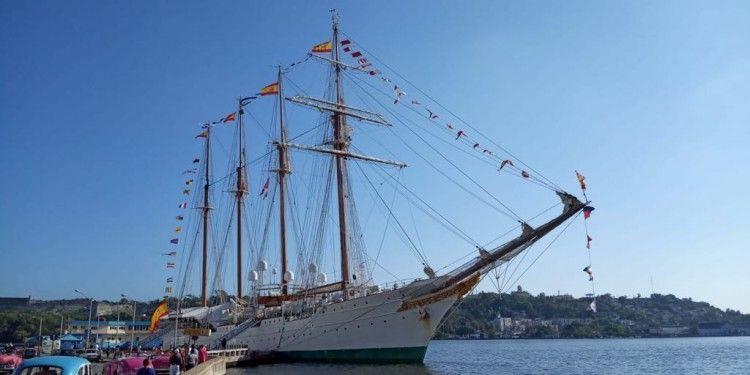 """El buque-escuela """"Juan Sebastián de  Elcano"""", de nuevo en La Habana"""