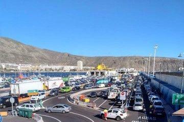 El puerto de Los Cristianos ha alcanzado su techo y no tiene solución