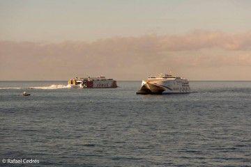 El tráfico marítimo en el puerto de Los Cristianos ha subido de forma considerable