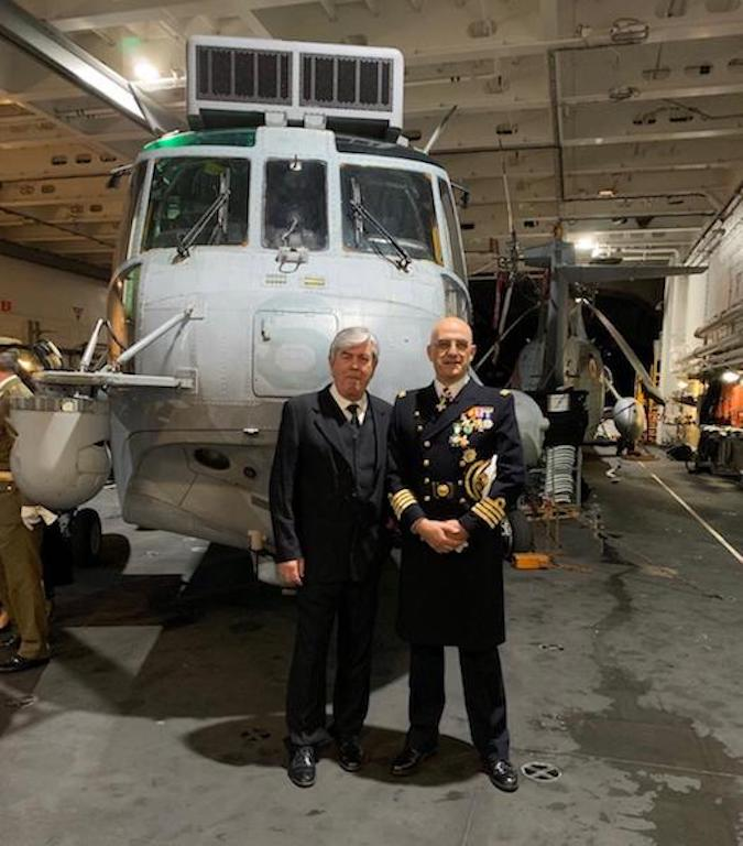 Nuestro colaborador Juan Cárdenas Soriano y el CN Jorge Lozano, comandante naval de Algeciras
