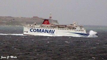 """El buque """"Al Mansour"""", navegando con tiempo de levante en el Estrecho de Gibraltar"""