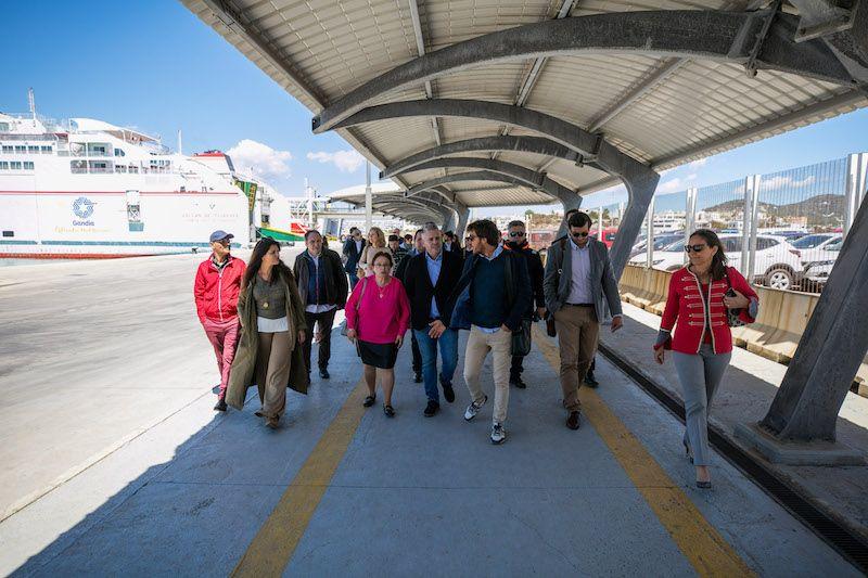 Los empresarios de La Safor desembarcan a su llegada a Ibiza
