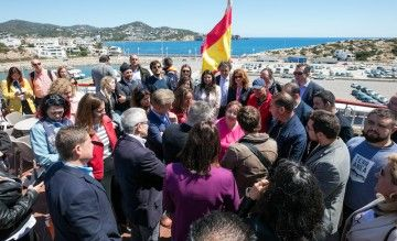 """El ferry """"Volcán de Tijarafe"""" fue el punto de encuentro de los empresarios de la Safor e Ibiza"""