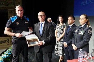 El reconocimiento de la Policía Local, un mérito más para la Policía Portuaria de Santa Cruz de Tenerife