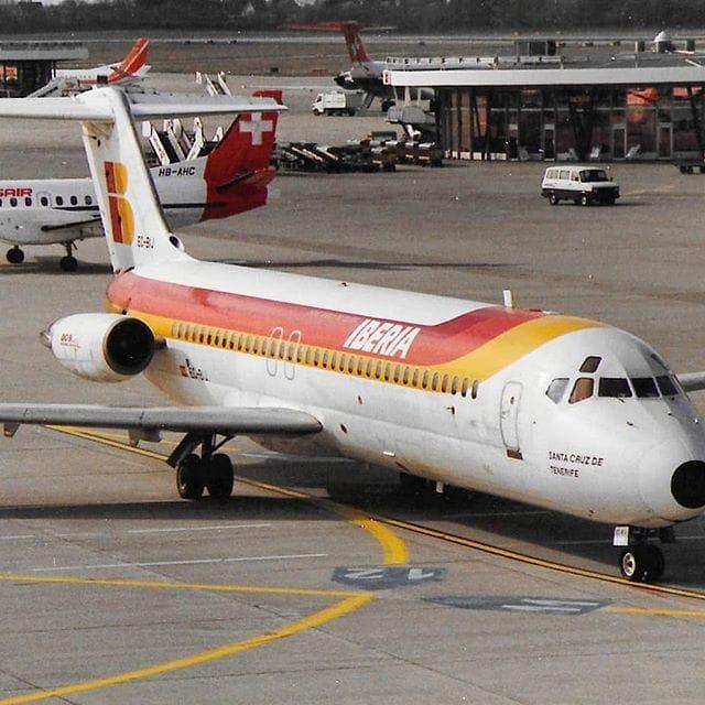 "Douglas DC-9/32 de Iberia EC-BIJ ""Santa Cruz de Tenerife"""