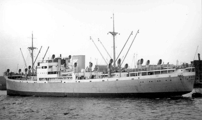 """Elegante estampa marinera del buque frutero noruego """"Breñas"""""""