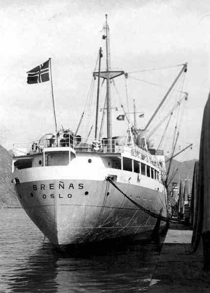 """Popa del buque frutero """"Breñas"""", atracado en el puerto de Santa Cruz de Tenerife"""