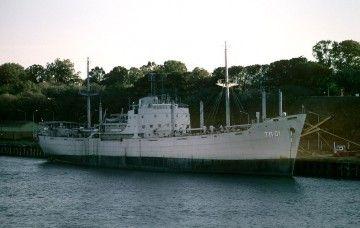 """Estampa marinera del transporte boliviano """"Libertador Bolívar"""", ex """"Ciudad de Barquisimeto"""", en el puerto de Rosario"""