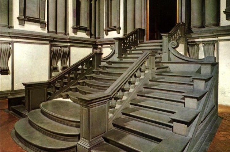La famosa escalera de la Biblioteca Laurenziana, de Miguel Ángel