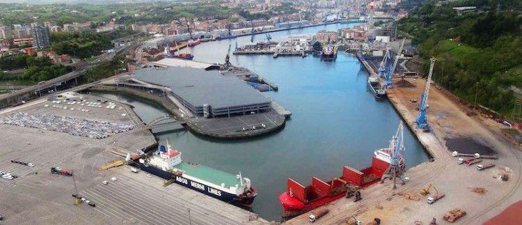 Panorámica del puerto de Pasaia