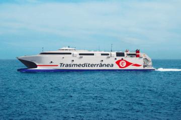 """El catamarán """"Milenium Dos"""" operará hasta la llegada del """"Volcán de Tagoro"""""""