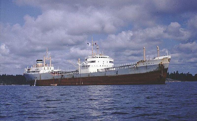 """El petrolero finlandés """"Wirakel"""", construido en 1952"""