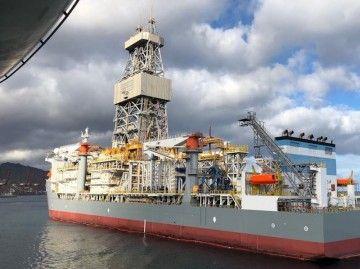 La actividad off shore de reparaciones navales deja buen dinero en el puerto tinerfeño