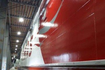 """El nuevo catamarán """"Volcán de Tagoro"""", visto por la banda de estribor"""