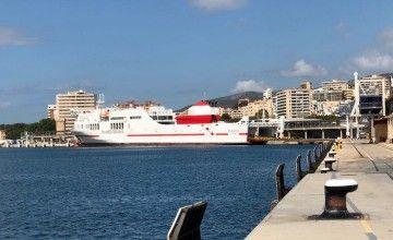 """El buque """"Tenacia"""" cubre la línea Palma-Barcelona"""